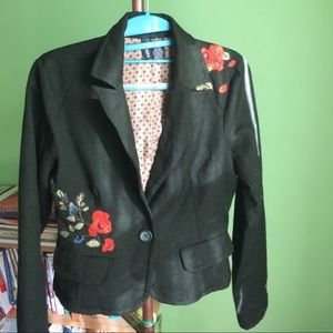 Embroidered  jacket with unique flowers